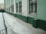 Фасад завода обшит террасной доской из ДПК