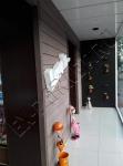 Террасная доска из ДПК Good Cover 22 мм в интерьере на стенах, отделка стен цветочного магазина