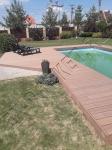 Монтаж террасной доски из ДПК рядом и вокруг бассейна